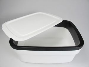 Tupperware-bread-box-storage-Breadsmart