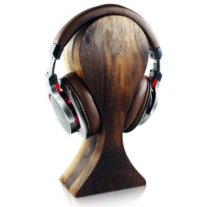 Walnut-Heirloom-Wooden-Headphones-Hanger