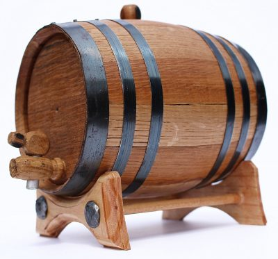2 Liter Whiskey Oak Barrel for Aging – Golden Oak Barrel with Black Steel Hoops – Aging and Recipes Digital Guide included